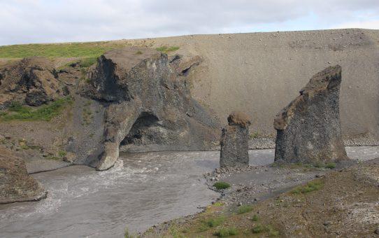 Hljóðaklettar, Rauðhólar und Karl og Kerling von Vesturdalur aus (29.07.)